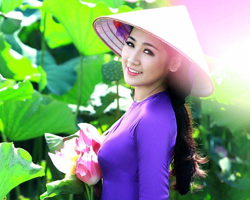 shopping in hue vietnam