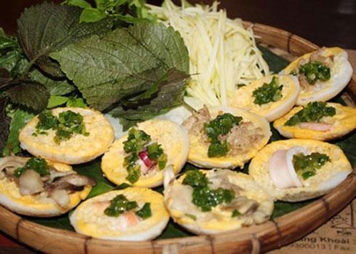 Local food in Nha Trang - Banh Can