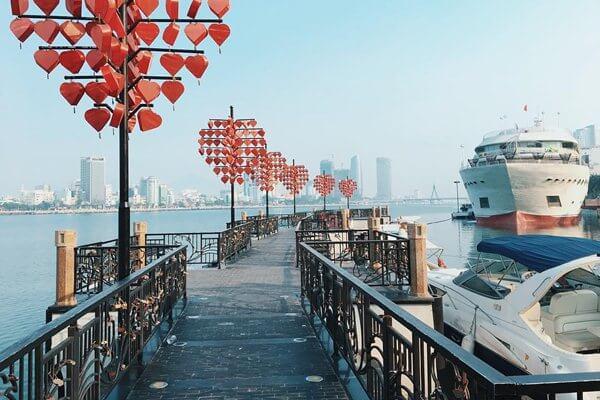 love bridge danang
