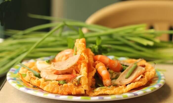 Hue street food tour