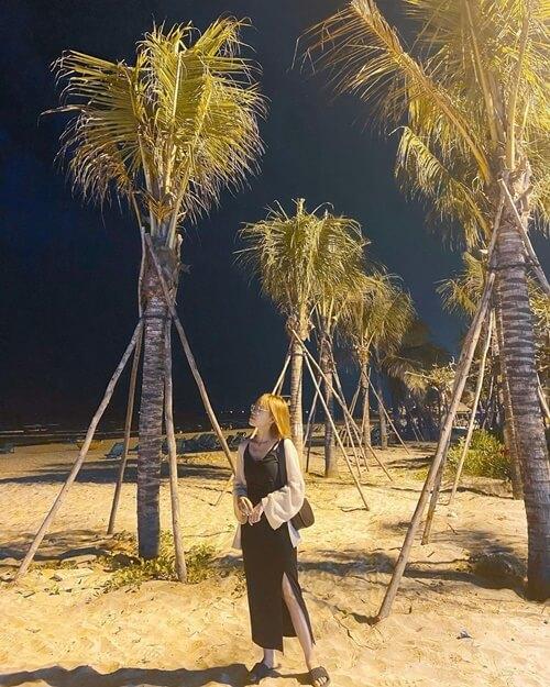 my khe beach night