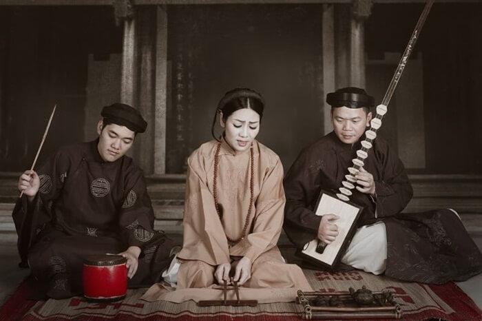 Singing Ca Tru Vietnamese music